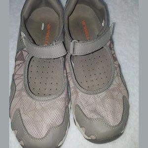 Women's Merrell Select Wet Grip shoes size 7